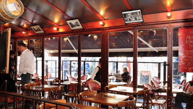 Le Café Ménilmontant, un des lieux sélectionné par Les Nanas d'Paname.