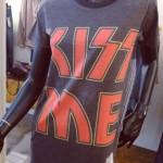 tee-shirt_kiss_me
